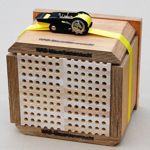 Nesting block with wooden boards, small